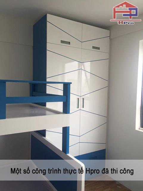 Tủ áo bằng chất liệu gỗ Acrylic bóng gương