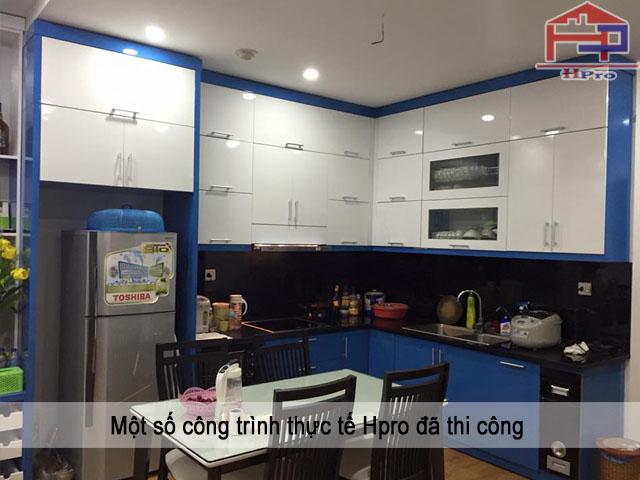 Tủ bếp gỗ Acrylic sau khi thi công lắp đặt và bàn giao cho nhà chú Hùng