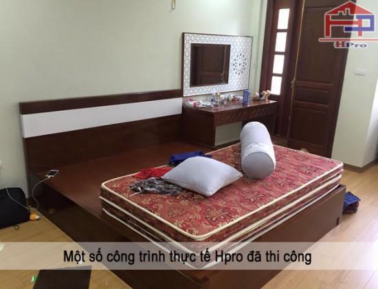 Giường gỗ xoan đào nhà cô Thu