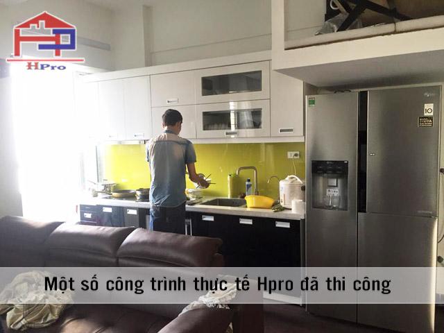lap-dat-thi-cong-tu-bep-acrylic-nha-anh-son