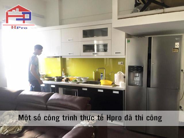 tu-bep-acrylic-anh-son-phap-van