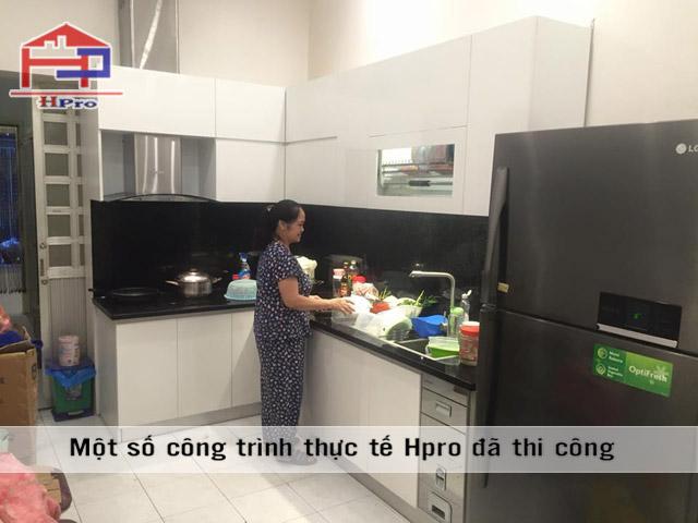 Hình ảnh tủ bếp Acrylic sau khi lắp đặt tại nhà anh Sơn