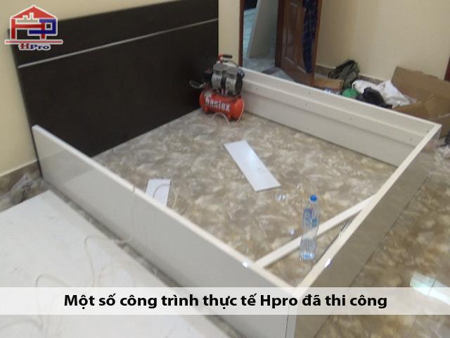 Hinh-anh-thuc-te-giuong-ngu-go-acrylic-an-cuong