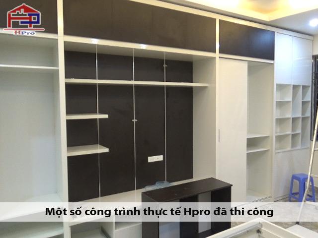 Hinh-anh-thuc-te-san-pham-tu-ao-kem-ke-ti-vi-go-acrylic-an-cuong