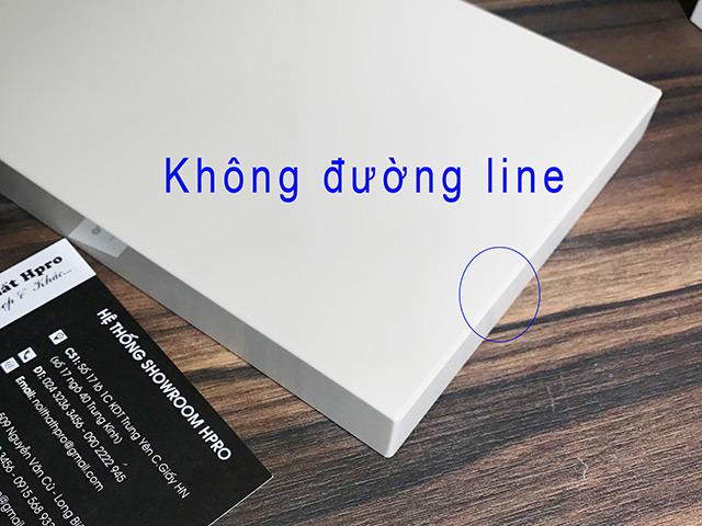 Acrylic-khong-duong-line-khong-co-cac-duong-chi-canh-tao-nen-mot-khoi-lien-mach-cua-tam-go