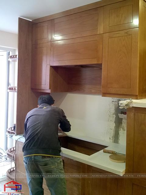 Hpro thi công lắp đặt tủ bếp gỗ sồi mỹ nhà anh Mạnh kèm các phụ kiện, thiết bị bếp