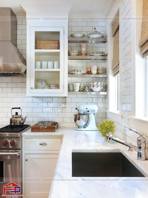 Cách bố trí phòng bếp nhỏ- Sử dụng kệ thay thế cho tủ đồ