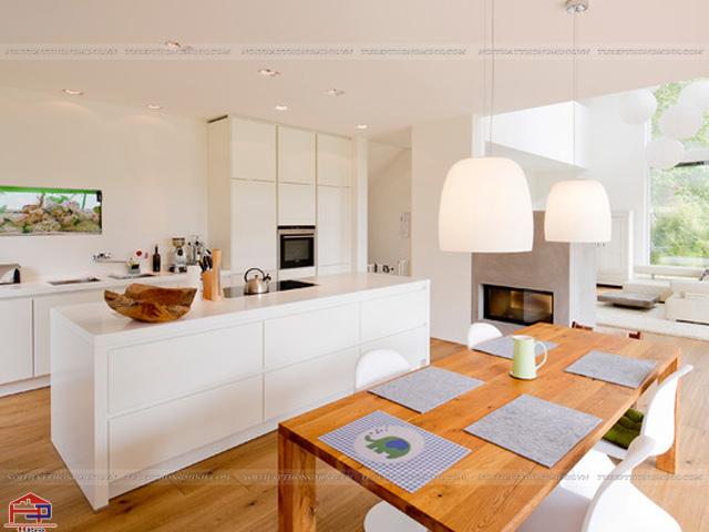 Một không gian bếp hiện đại và tiện nghi được bố trí mẫu tủ bếp dưới thiết kế đơn giản