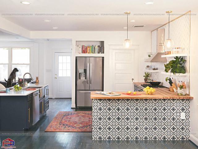 Mẫu tủ bếp dưới được thiết kế ấn tượng với những họa tiết độc đáo
