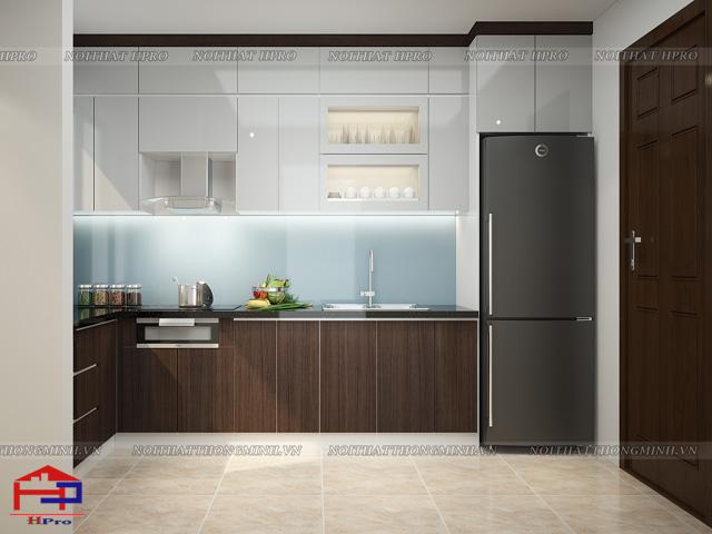 Mẫu tủ bếp gỗ công nghiệp laminate màu vân gỗ kết hợp trắng tinh tế, hiện đại