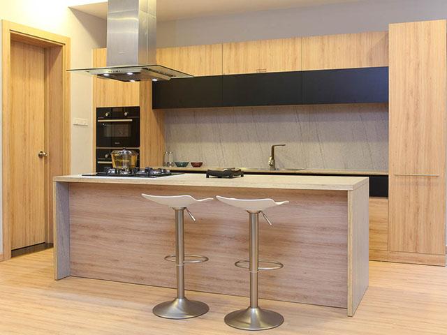 Kết quả hình ảnh cho tủ bếp gỗ công nghiệp minh long