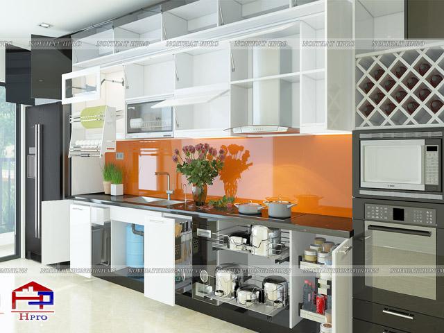 Bộ tủ bếp đẹp được bố trí những phụ kiện, thiết bị bếp thông minh mang đến sự tiện nghi cao nhất cho gia đình