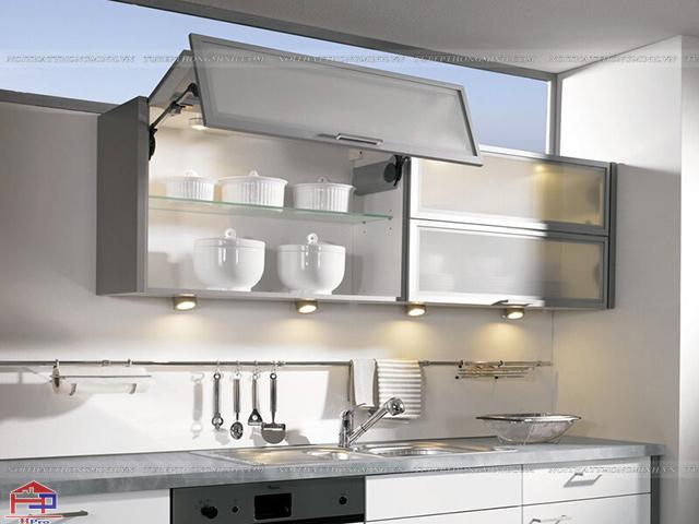 Các mẫu tủ bếp nhôm kính được thiết kế khoa học và được lắp đặt những phụ kiện, thiết bị bếp thông minh mang đến sự tiện nghi cao nhất cho gia đình