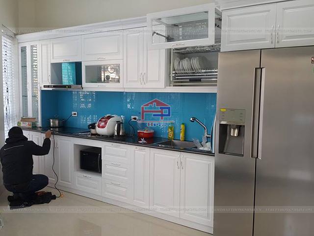 Hình ảnh thực tế tủ bếp gỗ HDF sơn trắng Inchem cao cấp nhà anh Việt
