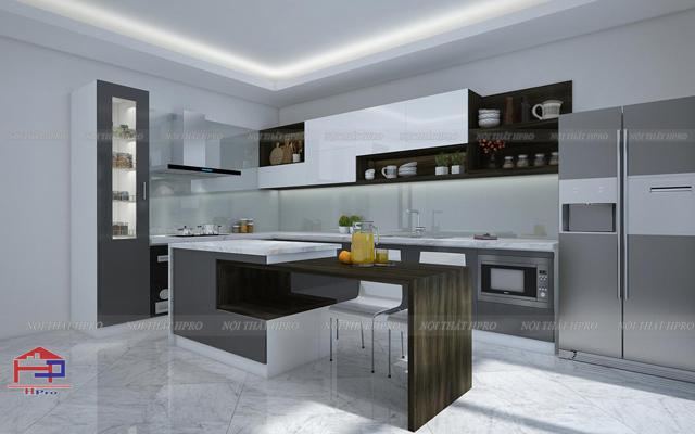 Mẫu tủ bếp đẹp bằng chất liệu gỗ sồi mỹ tự nhiên với thiết kế kèm quầy bar bếp ấn tượng cho gian bếp nhà chung cư hiện đại