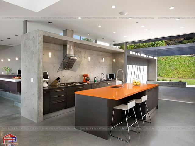 Bàn đảo bếp đa năng được bố trí trong không gian phòng bếp đẹp này mang lại sự tiện nghi cao nhất cho gia đình