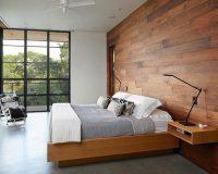 Giường ngủ bằng chất liệu gỗ lát cực kì chắc chắn và bền đẹp, màu sắc nâu vàng tạo nên một không gian ấm cúng để gia đình có thể nghỉ ngơi, thư giãn một cách thoải mái nhất