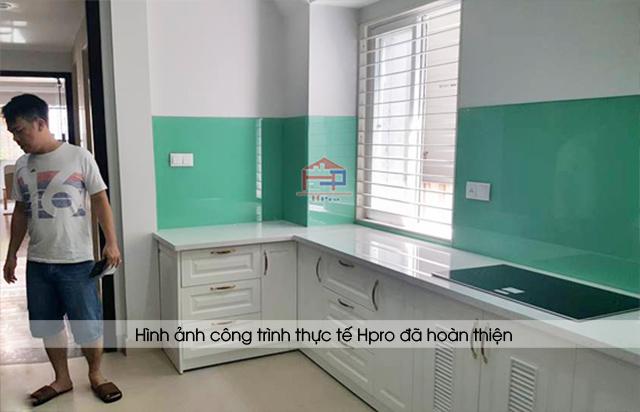 Hình ảnh thực tế tủ bếp MDF lõi xanh sơn trắng được Hpro hoàn thiện lắp đặt cho nhà anh Khánh- Nguyễn Khang