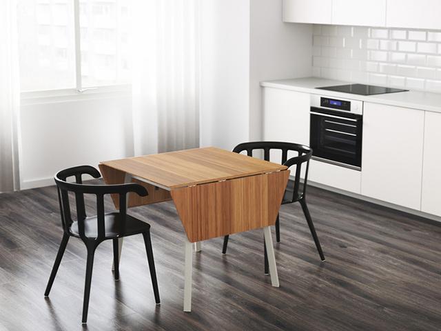Mẫu bàn ăn cho phòng bếp nhỏ thiết kế dạng vuông với 2 đầu có thể kéo dài để mở rộng diện tích sử dụng