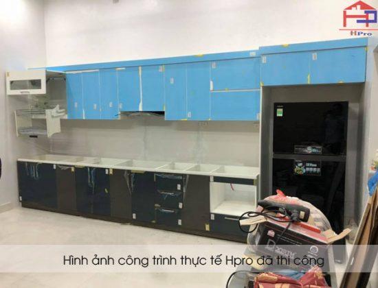 tu-bep-acrylic-nha-anh-cuong-4