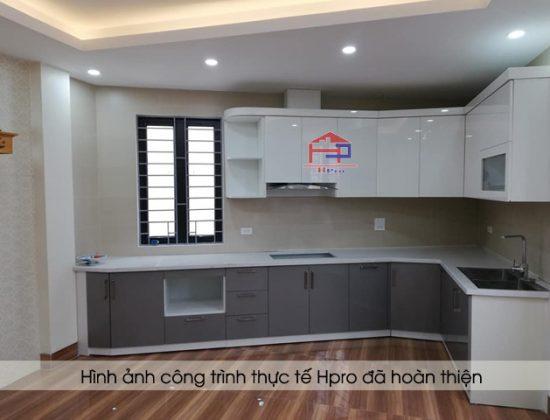 tu-bep-acrylic-nha-chi-thuy-3