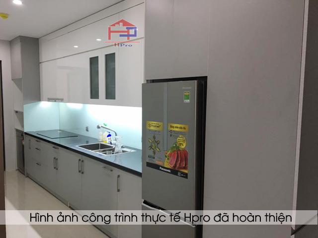 tu-bep-acrylic-ket-hop-laminate-nha-chu-hai-4