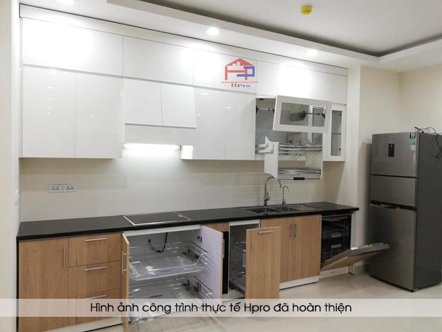 tu-bep-acrylic-ket-hop-laminate-nha-chu-long-5