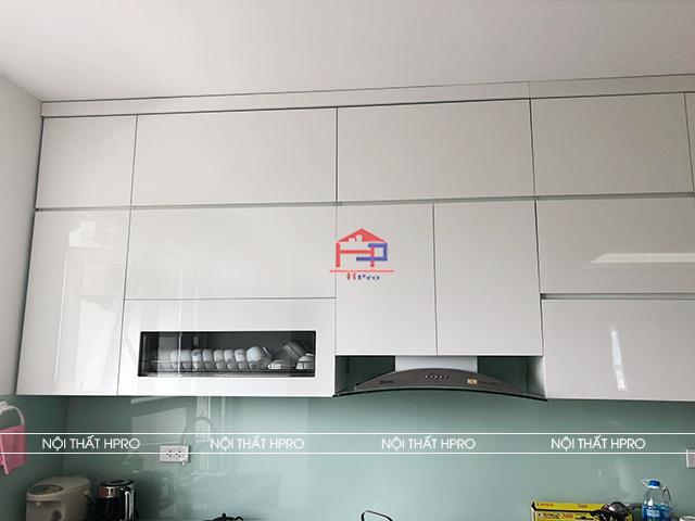 anh-thuc-te-tu-bep-acrylic-nha-chi-loan-k35-tan-mai-5