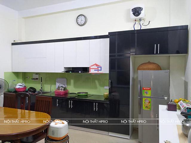 anh-thuc-te-tu-bep-acrylic-thung-inox-304-nha-chi-ngoc-hoang-van-thai-4