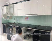 Công trình tủ bếp acrylic bóng gương nhà anh Long – Xuân La