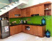 Công trình tủ bếp gỗ sồi nga sơn màu cánh gián nhà anh Hoài – Thường Tín
